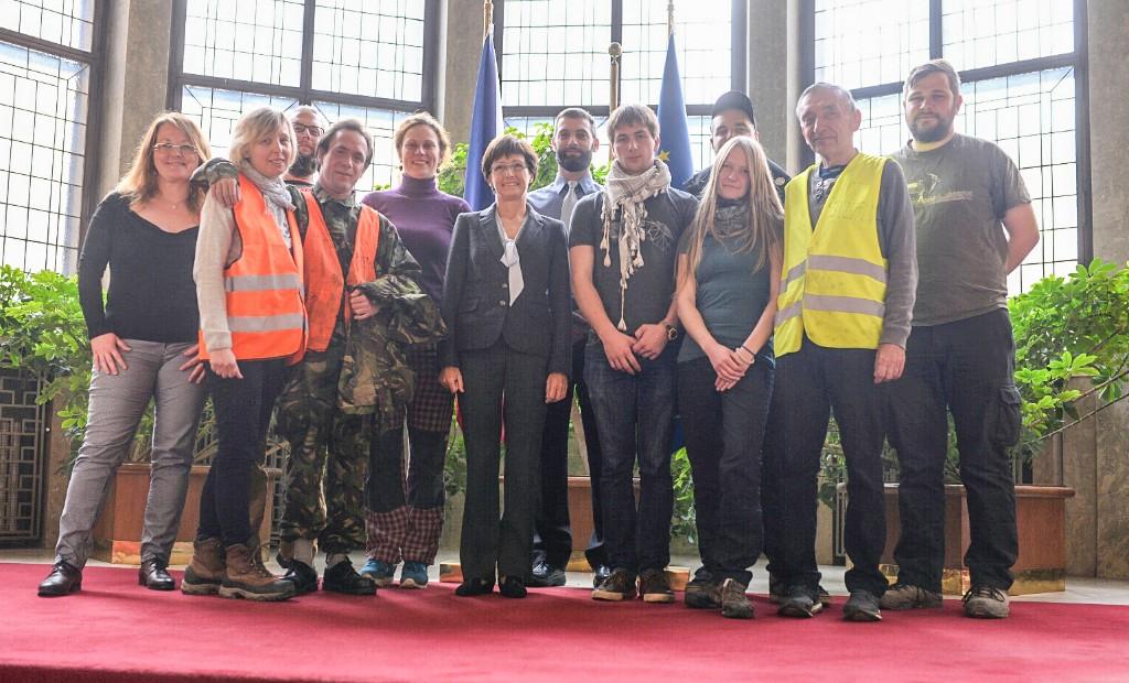 Čeští dobrovolníci se dnes setkali s konzulkou a velvyslankyní v Bělehradě