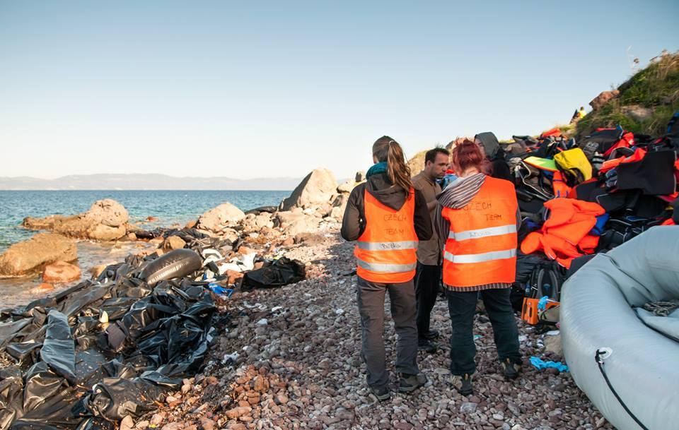 Frontex reaguje na úmrtí v řeckých vodách, mění se systém přijímání lodí na Lesbu