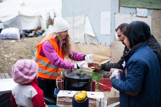 Tábor na hraničním přechodu Berkasovo-Bapska je prázdný, čekáme, jak se situace vyvine, hlásí čeští dobrovolníci