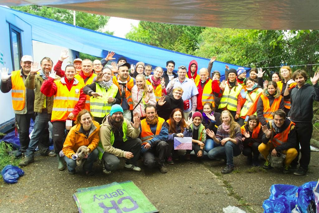 Čeští dobrovolníci pomáhají už půl roku, situace je nyní krizová hlavně v Řecku