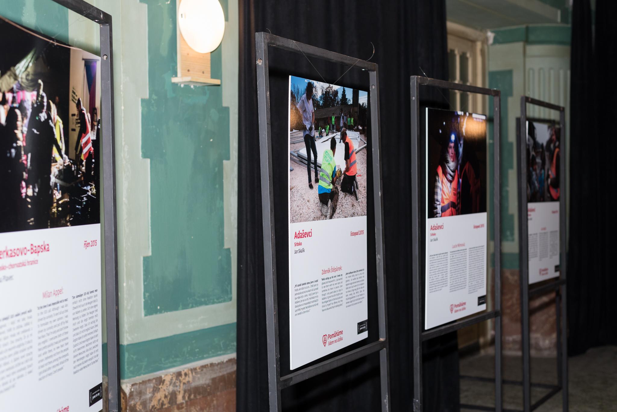 Výstava k ročnímu působení českých dobrovolníků